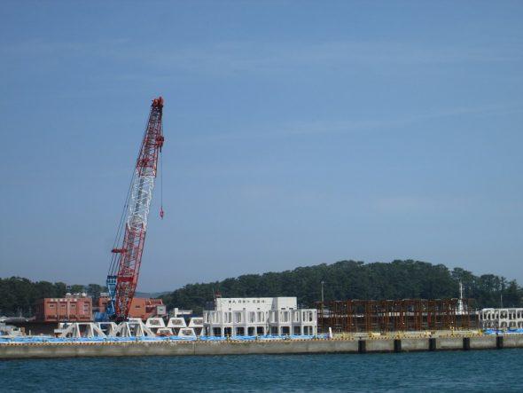 西薩地区沿岸での人工漁礁の製作・組立・設置工事